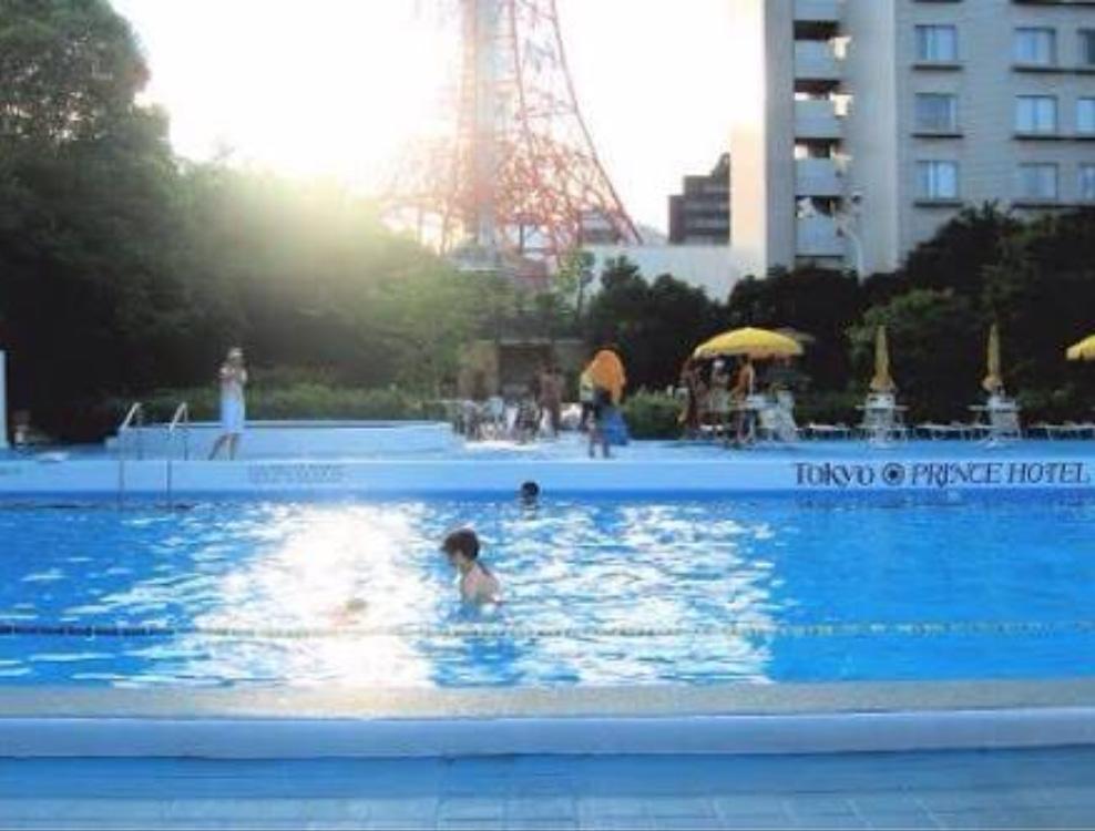 東京プリンスホテルナイトプール