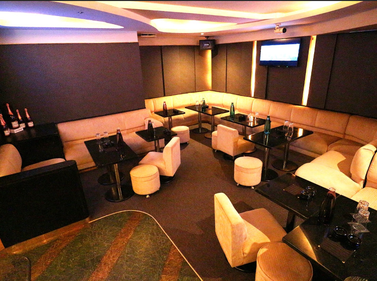歌舞伎町のクラブ、アップスの店内画像