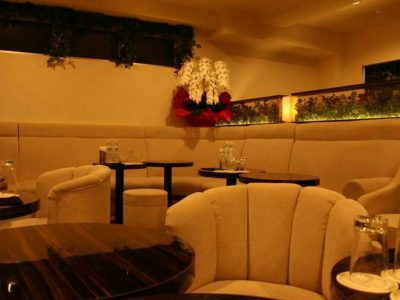 六本木の私服キャバクラ、ピアジェ(PIAGET)の店内画像