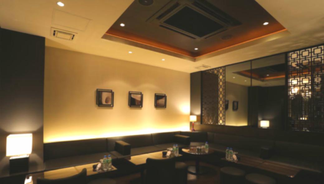 新宿キャバクラ「歌舞伎町ノワールリュクセ」